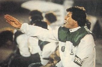Sistemas de três defesas no futebol português